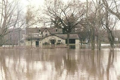 The Yardley Inn During the Flood